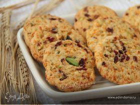 Сырное печенье с клюквой и фисташками