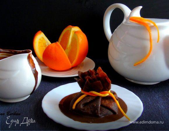 Шоколадные блины с фруктово-карамельным соусом