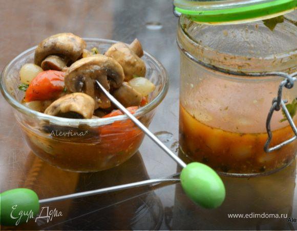 Грибочки маринованные в винном соусе