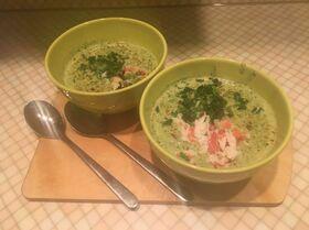 Зеленый крем-суп с крабом