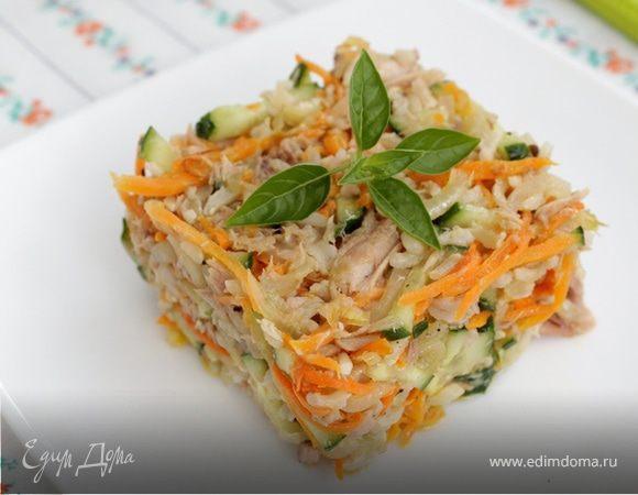 Салат из бурого риса с тунцом