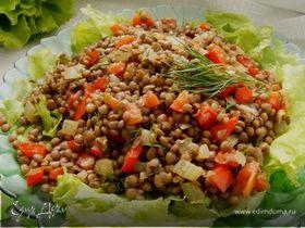 Теплый салат с чечевицей