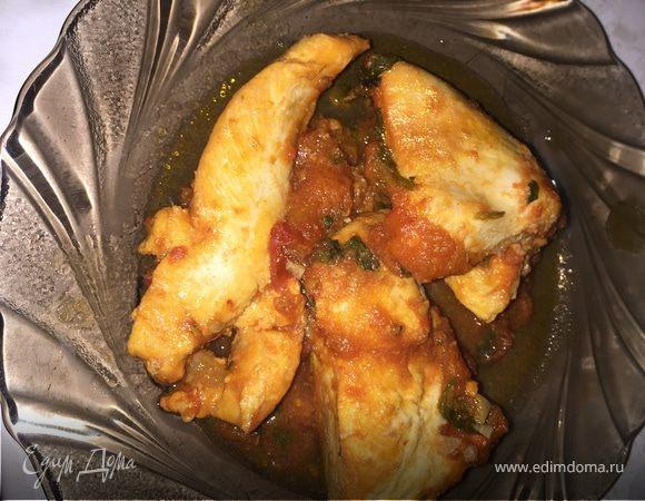 Курица с помидорами и зеленью