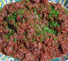 Красный рис с купатами и радиккио