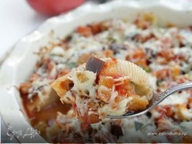 Фаршированные конкильони с баклажановым соусом