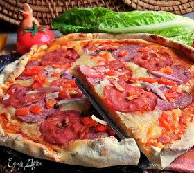 Пикантная пицца с чоризо и тремя сырами