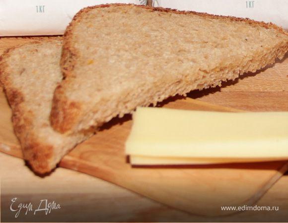 Хлеб с вялеными томатами и луком