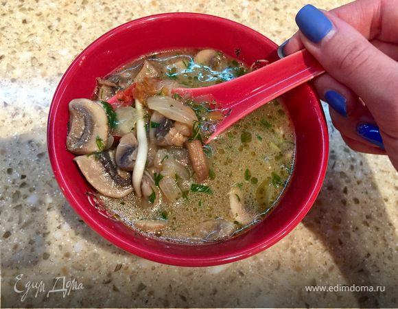 Нежный луково-грибной суп