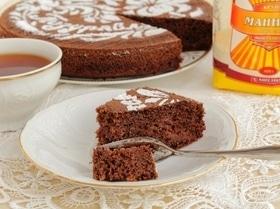 Шоколадный манник с малиновым джемом