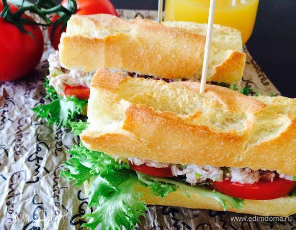 Классический сэндвич с тунцом