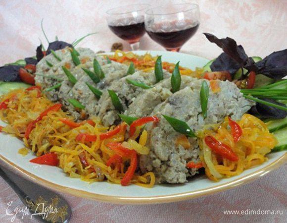 Рулет мясной с рисом и орехами