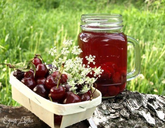 Черешнево-вишневый компот