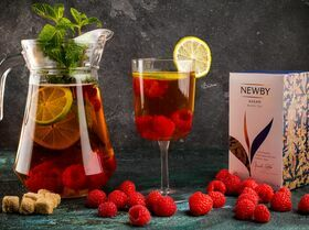Освежающий чай с малиной