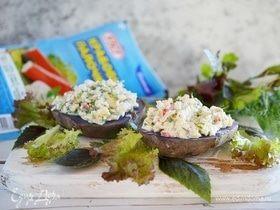 Запеченный картофель с крабовым салатом