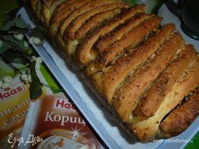 Хлеб-гармошка с ореховой начинкой «Пахлава»