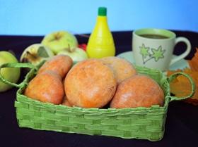 Творожные пирожки с яблоками и изюмом