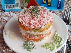 Крабовый салат с морковью и яблоком