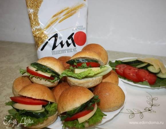 Хлебцы с отрубями для гамбургеров и сэндвичей