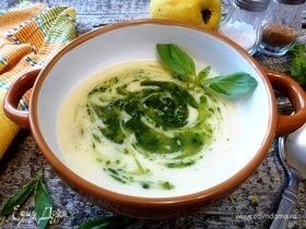 Картофельный крем-суп с айвой и базиликом