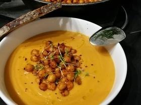 Тыквенный суп-пюре с запеченным нутом