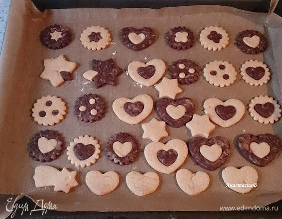 Двухцветное новогоднее печенье
