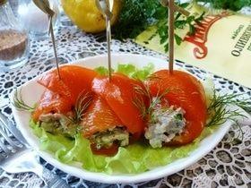 Рулетики из перца с тунцом и маслинами