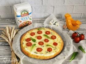 Пицца «3 сыра» на тыквенном тесте