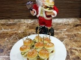 Фуршетные мини-бургеры с курицей фри