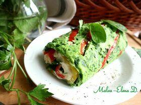 Зеленый рулет с креветками и болгарским перцем
