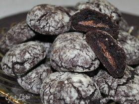 Шоколадное печенье с кремовой начинкой