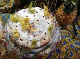 Пирог с черносливом, барбарисом и творожным сыром