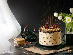 Торт «Семушка» с фундучным бисквитом и компоте из кураги