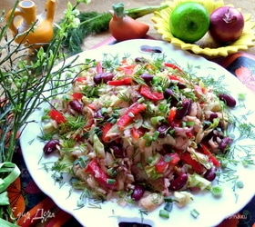 Салат с курицей и фасолью «Весна»