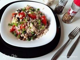 Теплый рисовый салат с шампиньонами