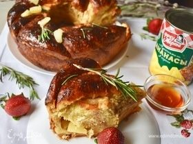 Клубнично-ванильная бриошь с ананасами