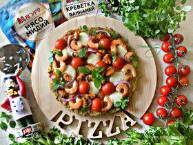 Пицца с морепродуктами на основе из брокколи