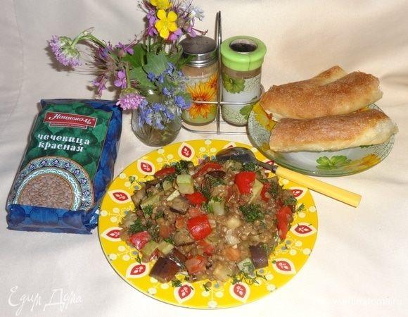 Теплый овощной салат с чечевицей и соусом терияки