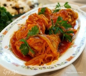 Курица под шафрановым соусом с рисом