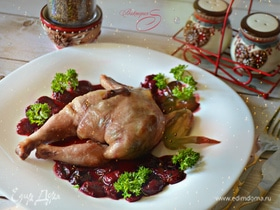Рябчики, фаршированные фуа-гра, под вишневым соусом