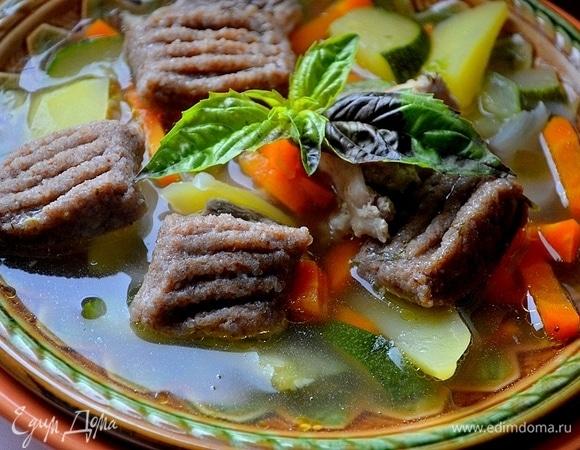 Куриный суп с гречневыми клецками