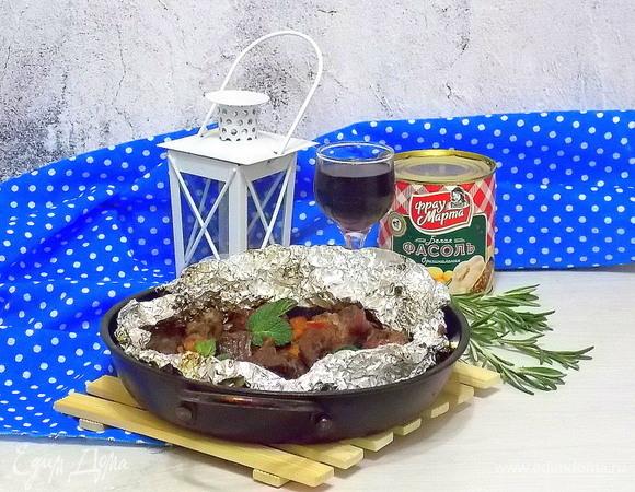 Томленое мясо с фасолью
