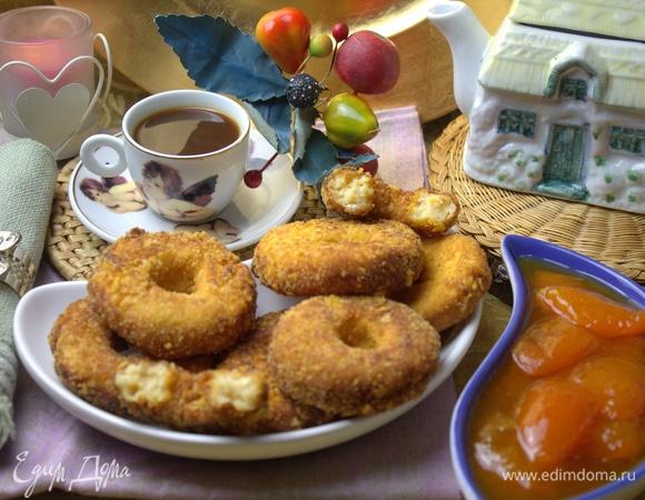 Сырники во фритюре с персиком