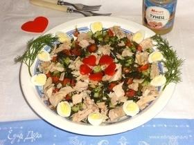 Овощной салат с тунцом и перепелиными яйцами