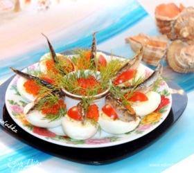 Закуска из фаршированных яиц со шпротами и красной икрой