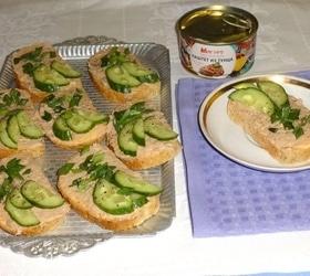 Тосты с плавленым сыром и паштетом из тунца