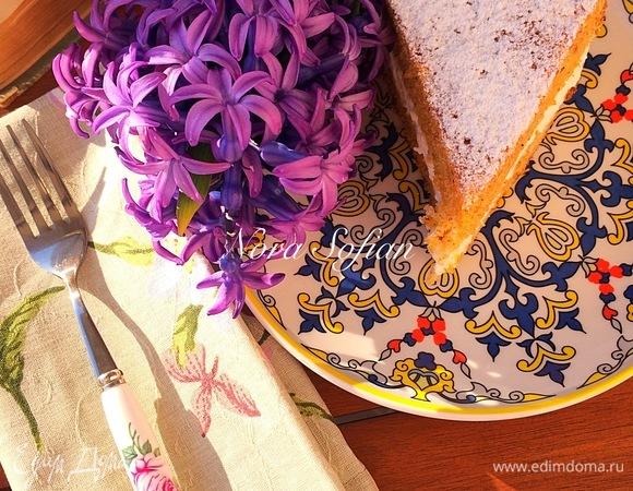 Морковно-фундучный пирог с кремом