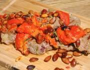 Баранина в чесночном маринаде с миндалем и сладким перцем