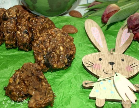 Миндально-овсяное печенье с черносливом