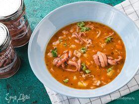 Пикантный суп с беконом и щупальцами кальмара