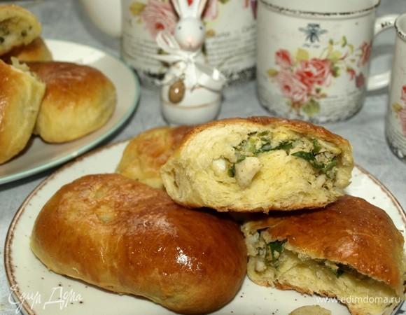 Пирожки с яйцами, зеленью и рисом